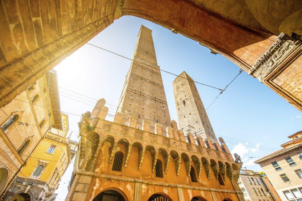 Bologna in un giorno Torre degli Asinelli e Garisenda