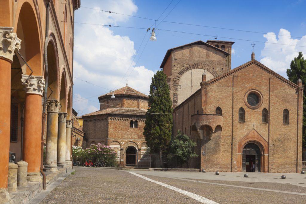 Bologna in un giorno Piazza Santo Stefano