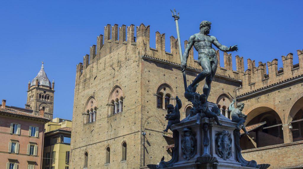 Bologna in un giorno Piazza del Nettuno