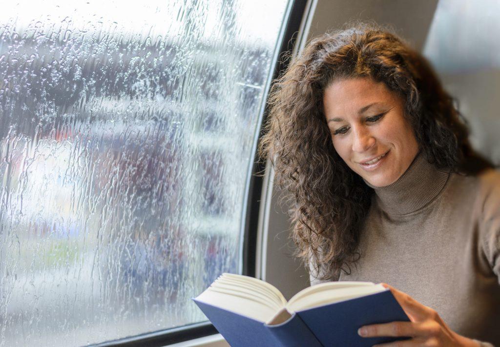 oggetti utili per viaggio in treno libro