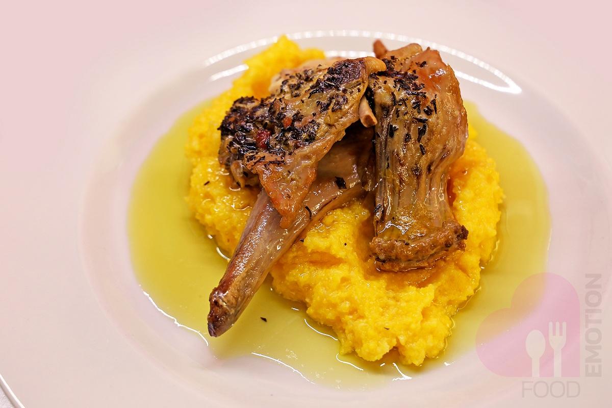 dove mangiare a bergamo lalimentari coniglio alla bergamasca con polenta
