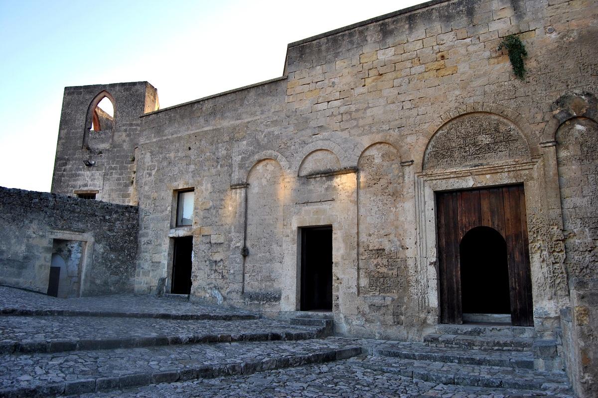 chiesa nella roccia sassi di matera © Vee13vr via Wikimedia
