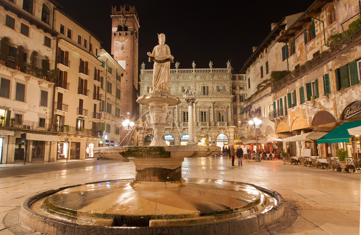 patrimonio unesco italia verona piazza delle erbe