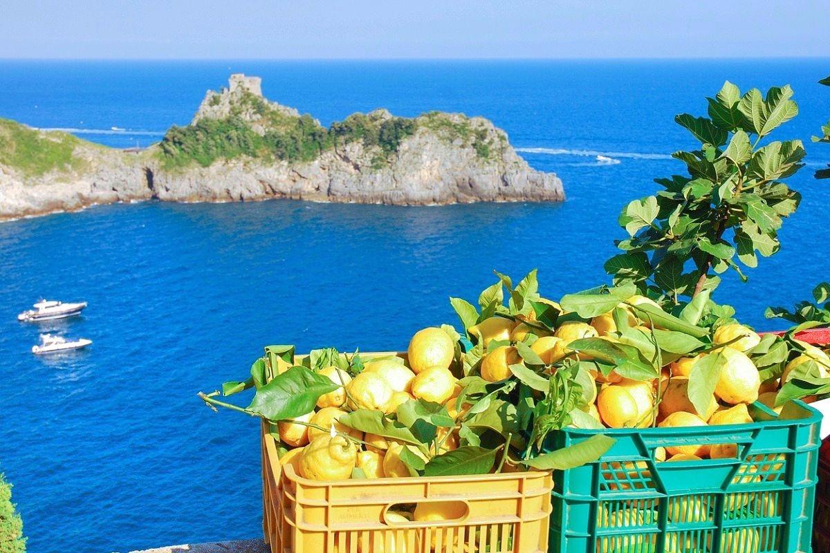paesi più belli della costiera amalfitana limoni amalfi