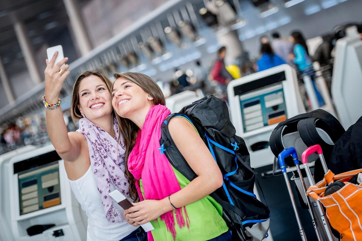 vantaggi di andare in aeroporto con autobus e treno