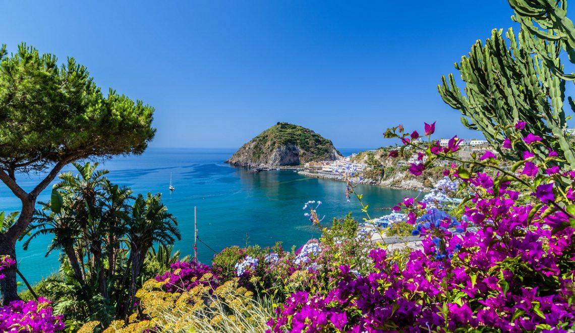 Weekend romantico a Ischia, benessere e relax circondati dal mare