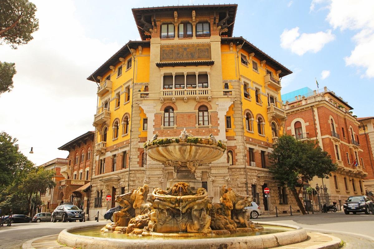 roma alternativa quartiere coppedè fontana delle rane