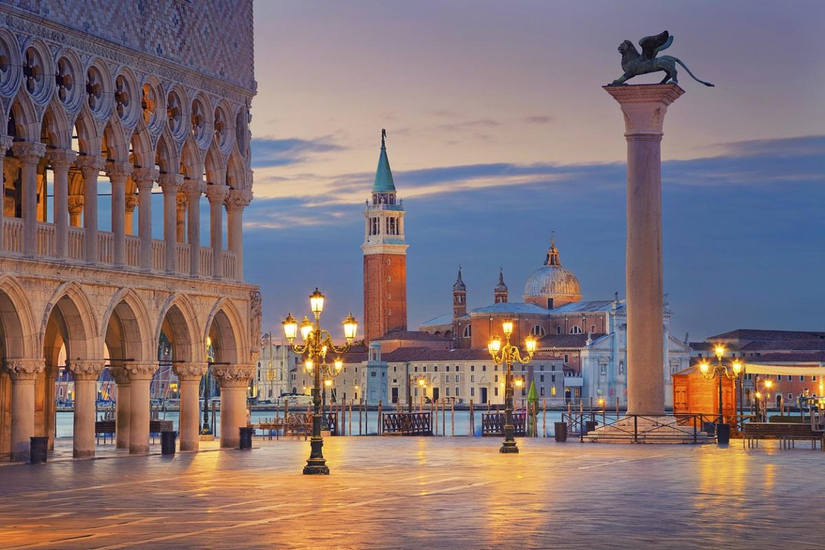 andare a venezia per il ponte dell'immacolata