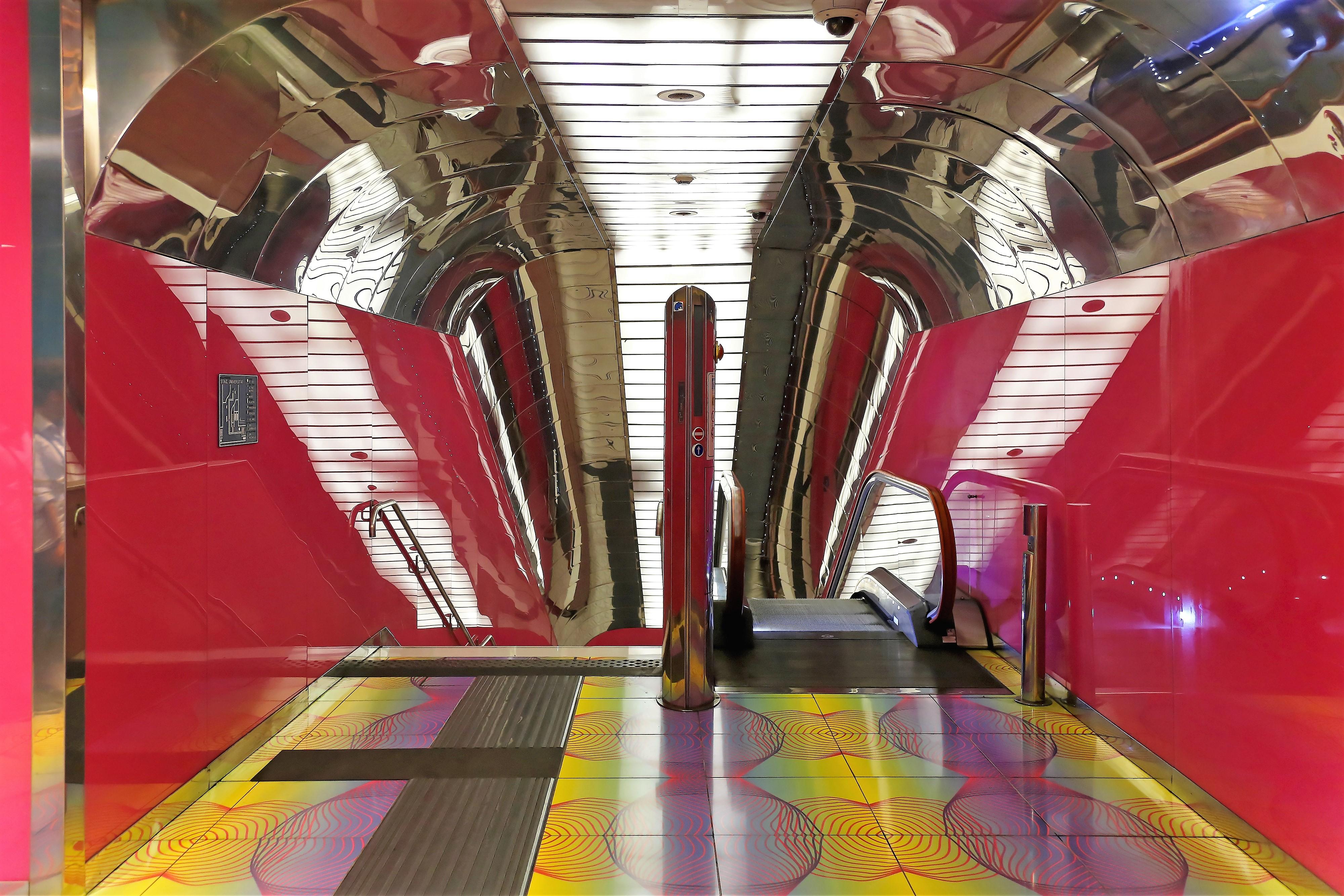 metropolitana napoli stazioni dell'arte università