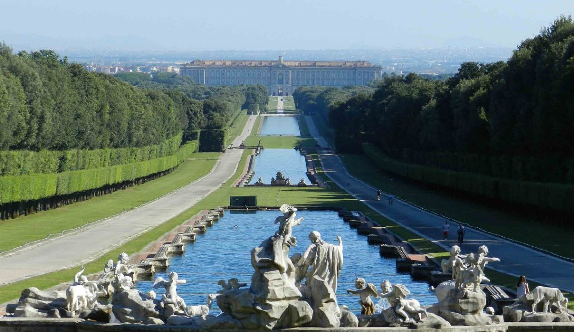 Visitare la Reggia di Caserta da Napoli - con parco