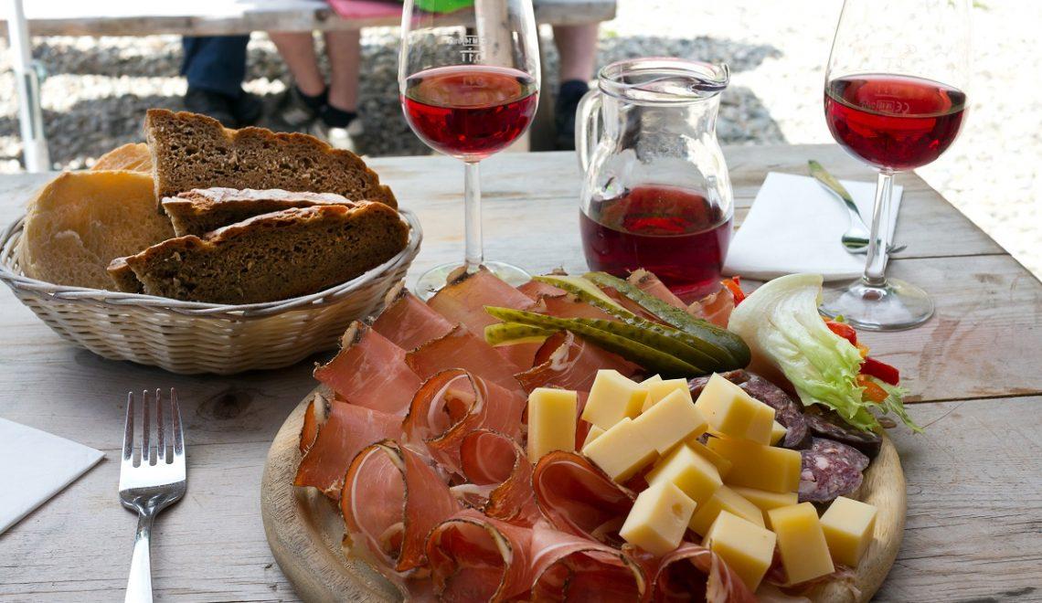 Mangiare a Trento: speck, mele e vino trentino!