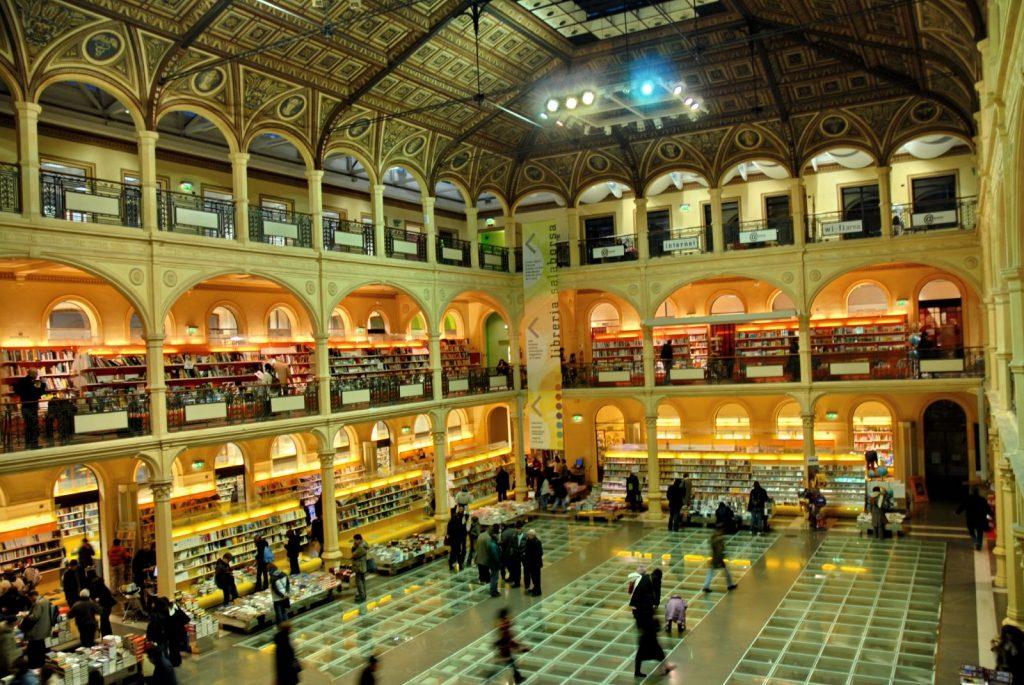 Bologna in un giorno Sala Borsa