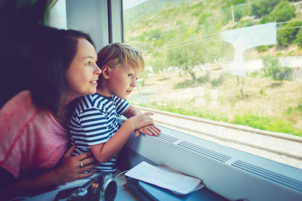 migliori passatempi per bambini in viaggio raccontare storie
