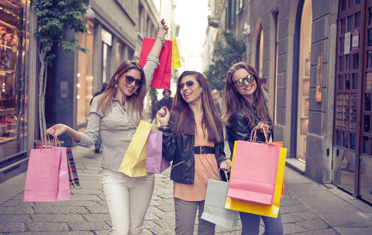 weekend a milano con gli amici shopping