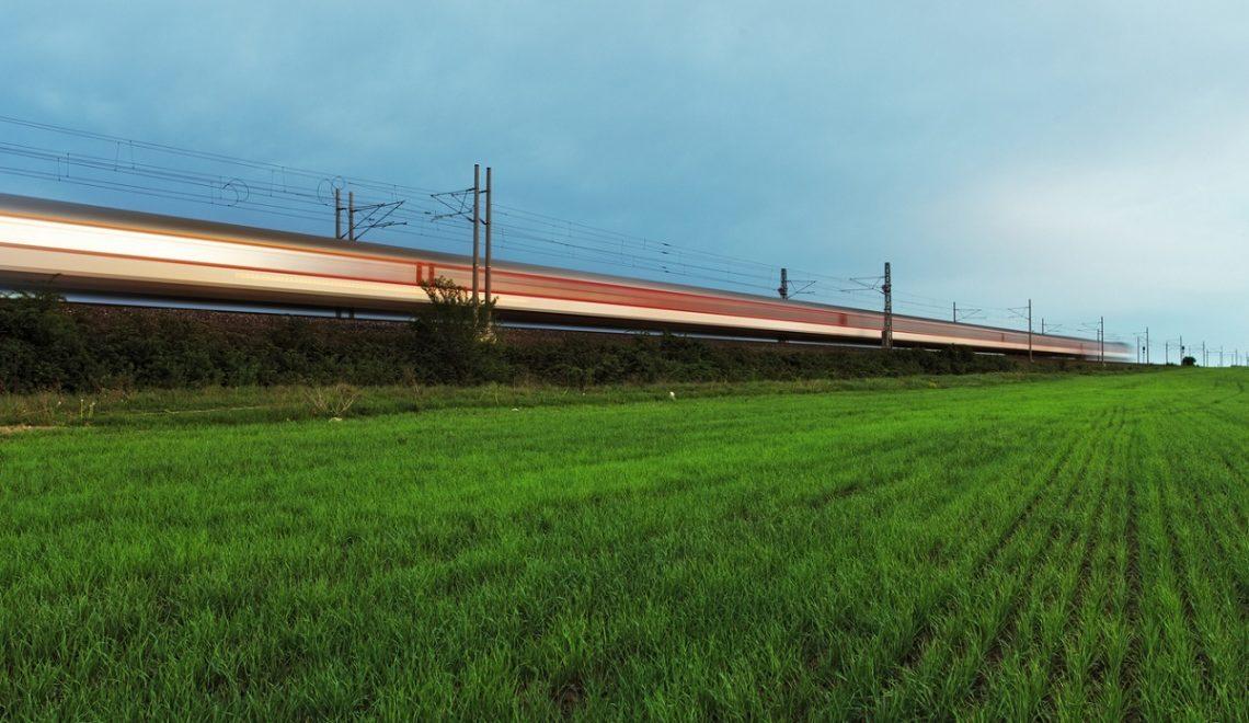 Viaggi ecosostenibili in Italia in treno si inquina meno
