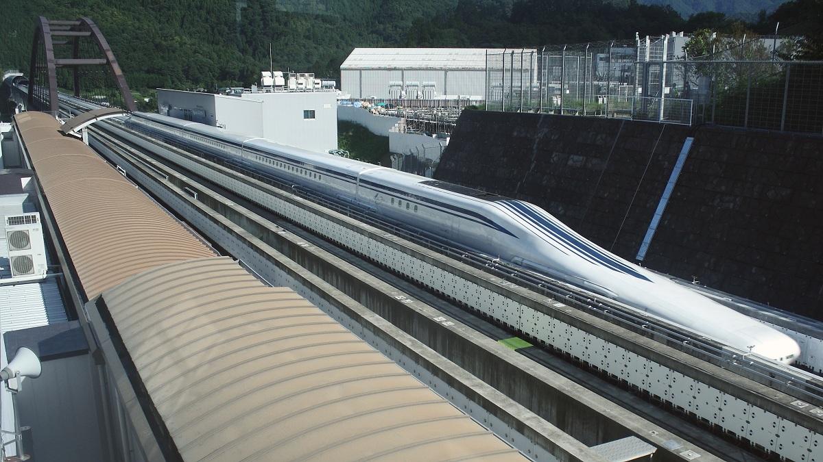 treno levitazione magnetica via wikimedia commons saruno hirobano