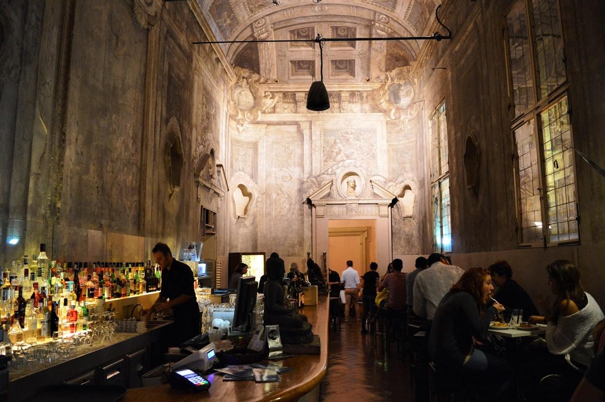 weekend a bologna con amici migliori locali le stanze cafè