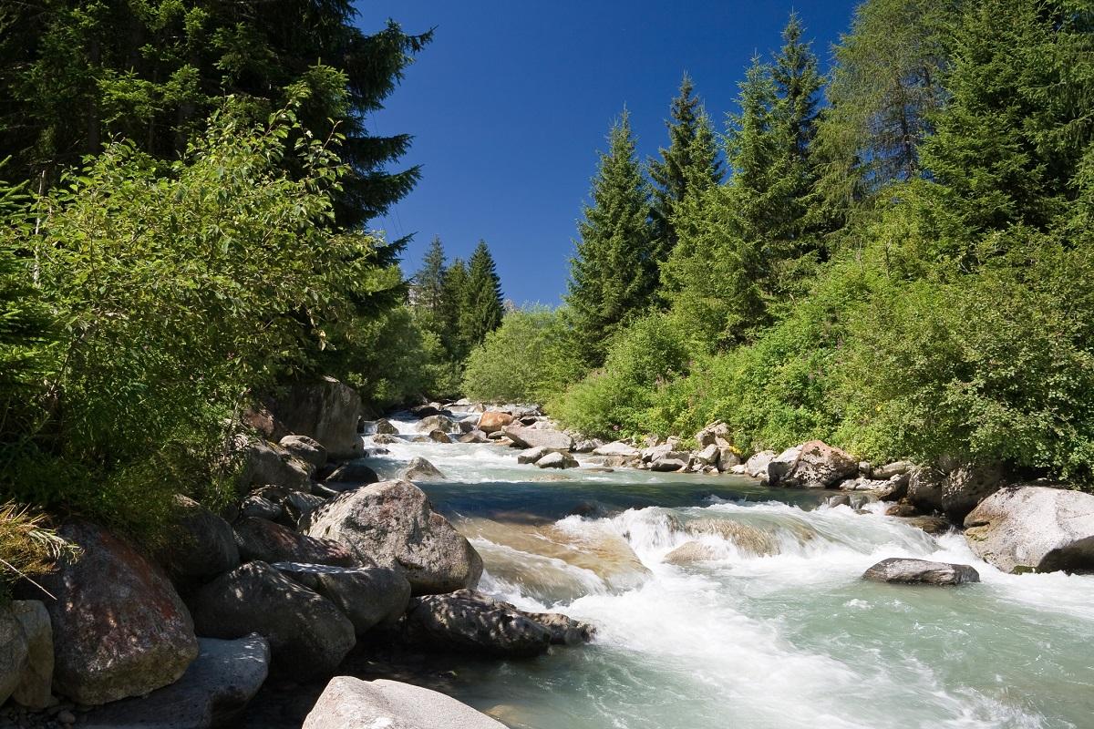 Estate-in-montagna-Scopri-Bolzano-tra-escursioni-e-aperitivi-fiume Vermigliana Bolzano
