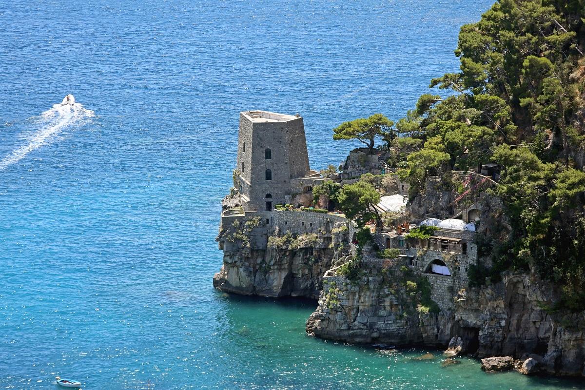 Positano mare spiagge da sogno in Costiera Amalfitana - torre
