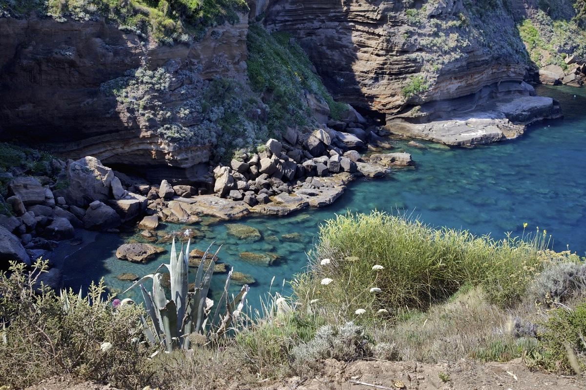 Vacanze-a-Ponza-come-arrivare-e-cosa-fare-nell'isola-pontina - Ventotene