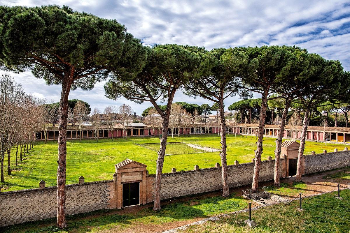 Cosa vedere a Pompei i 5 scavi archeologici da non perdere - Palestra grande