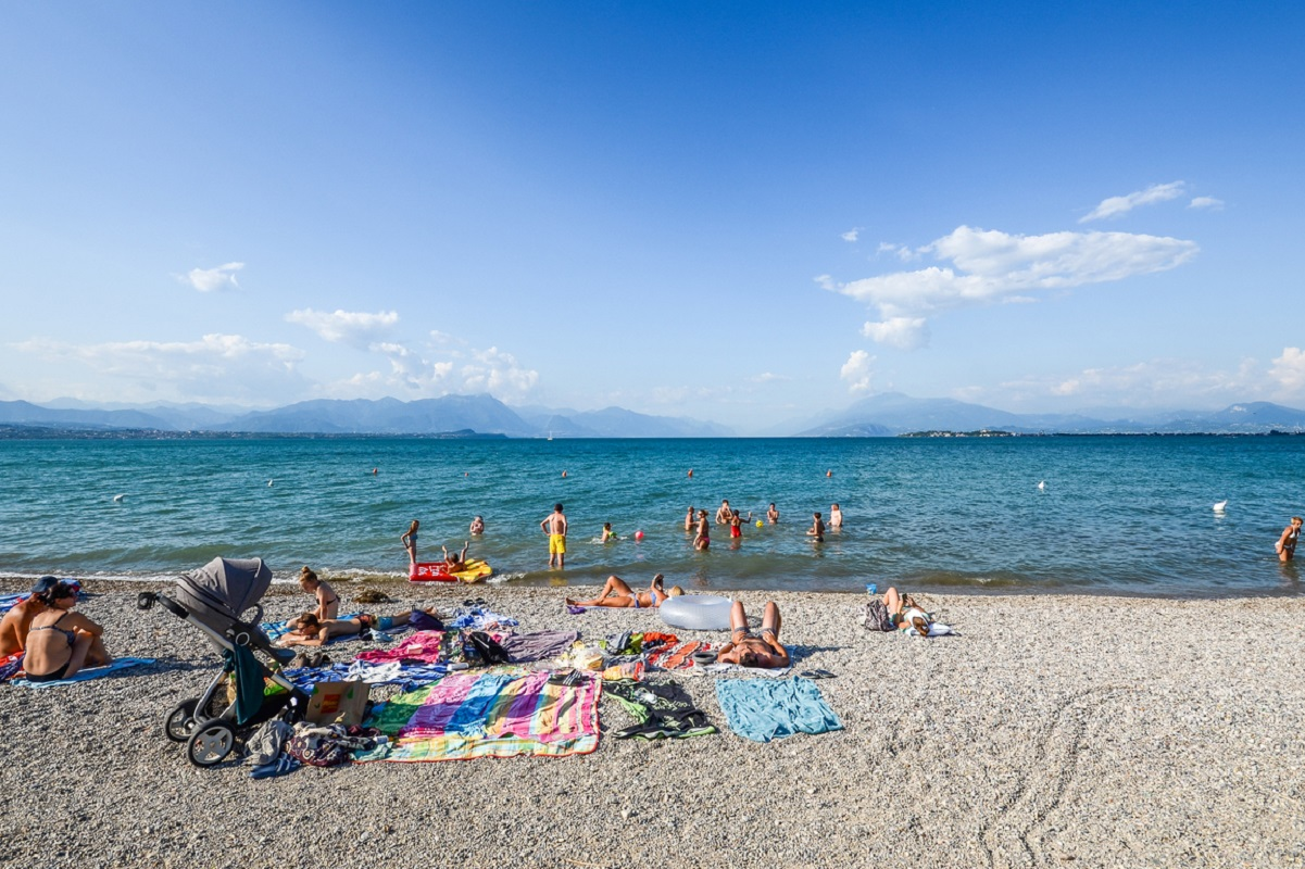 Mare o montagna Lago... di Garda! Le spiagge più belle 2018 - spiaggia libera Desenzano