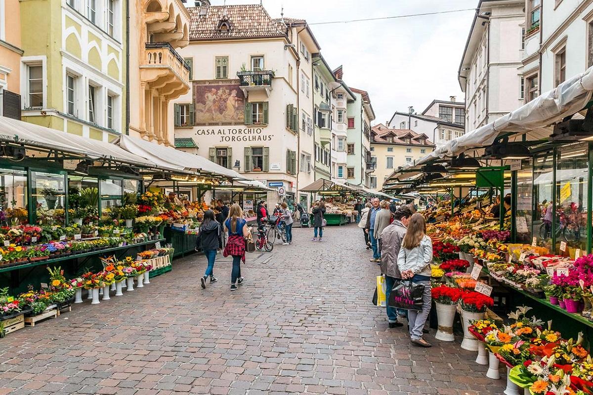 Visitare Bolzano itinerario 2 3 giorni - Piazza Erbe