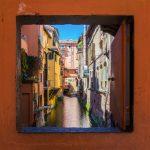 Visitare la Bologna sotterranea dai canali ai Bagni di Mario - finestrella via Piella