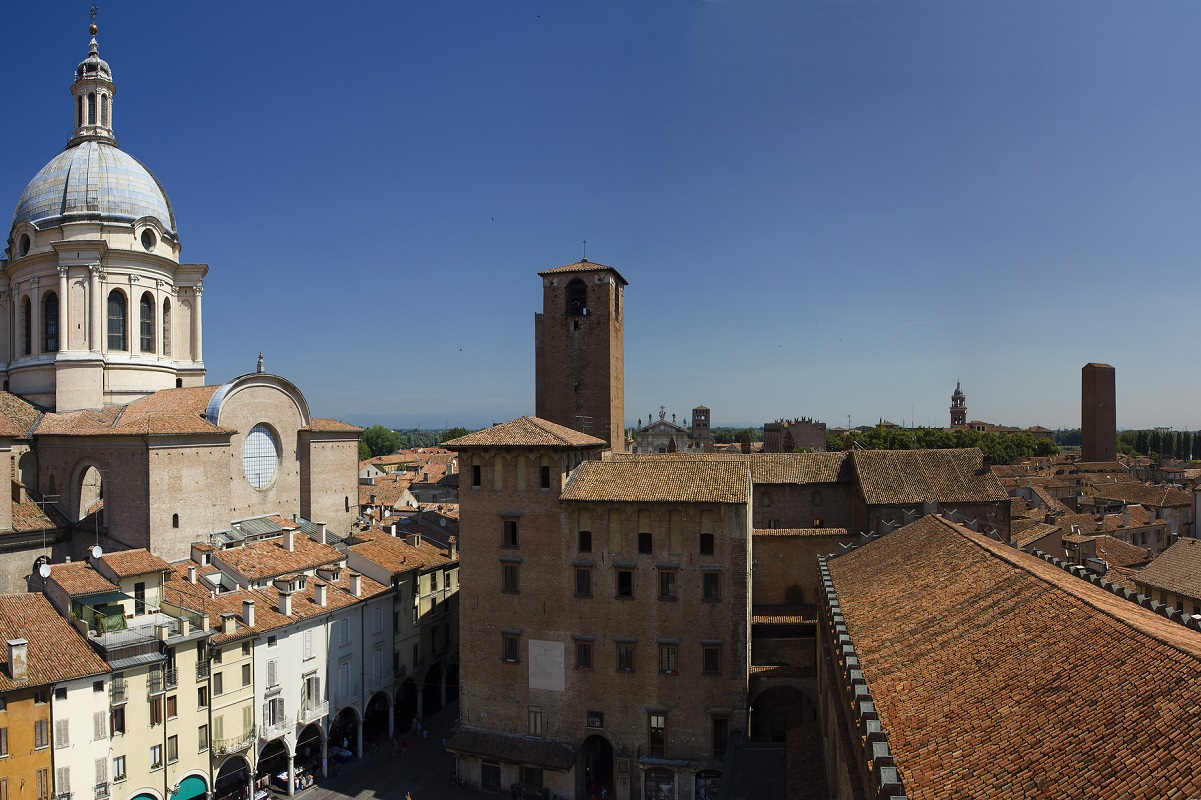 Città rinascimentali - Mantova Piazza Erbe credits Giancarlo Molteni