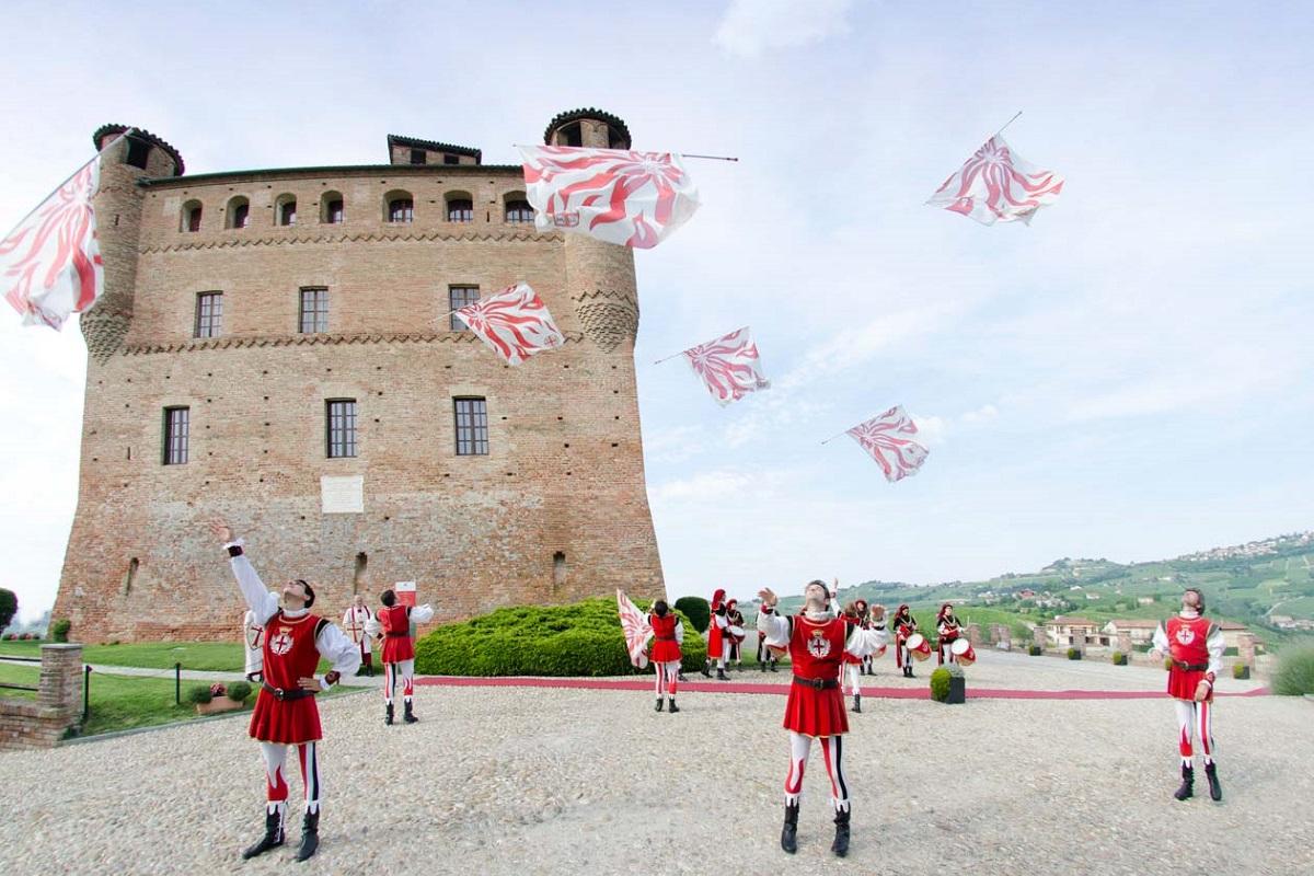 Langhe, Roero e Monferrato un itinerario UNESCO - Castello Grinzane Maurizio Milanesio