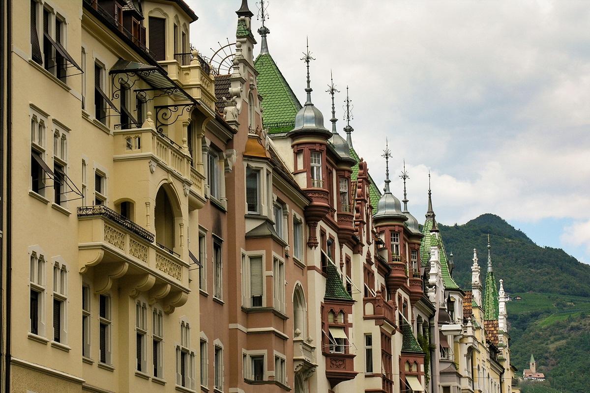 Ponte Ognissanti - Bolzano credits Carloc via Flickr