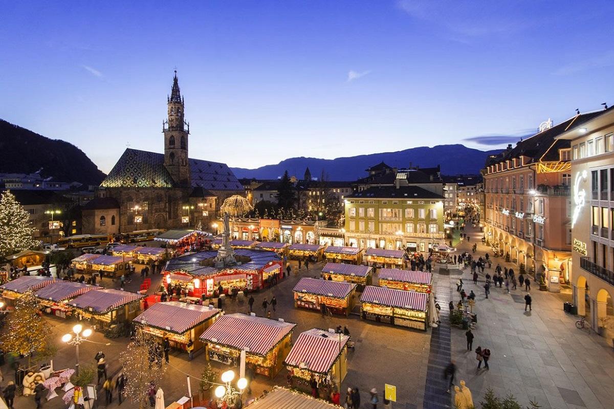 A Bolzano per i mercatini di Natale credits Mercatino di Natale Bolzano Bozen