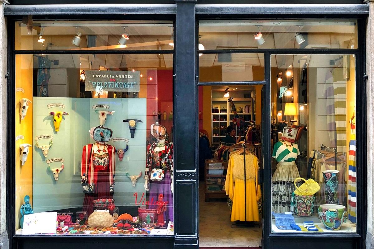 Fare shopping vintage - Milano Cavalli e Nastri 1