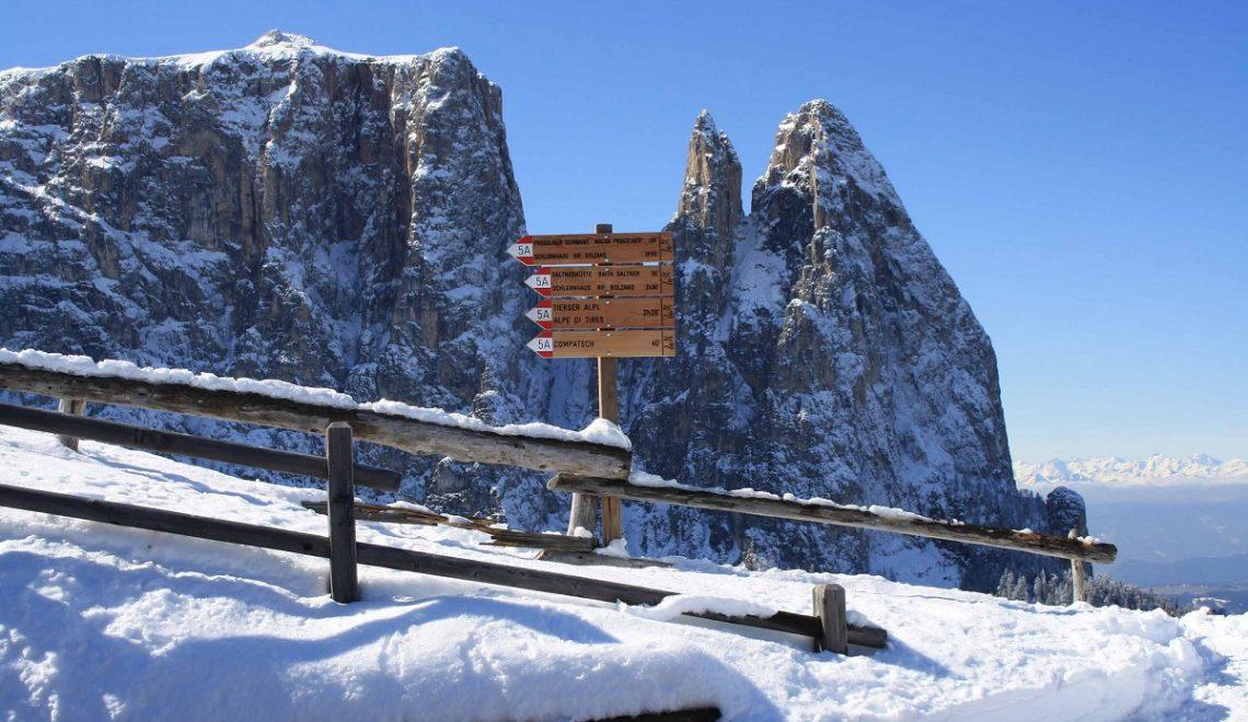 Trekking invernale, a Bolzano tra funivie e ciaspolate sulla neve