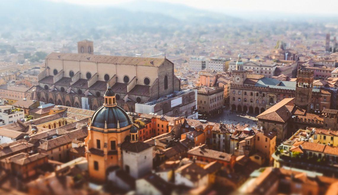 Visitare l'Emilia Romagna - Bologna credits Matteo Fagiolino via Flickr