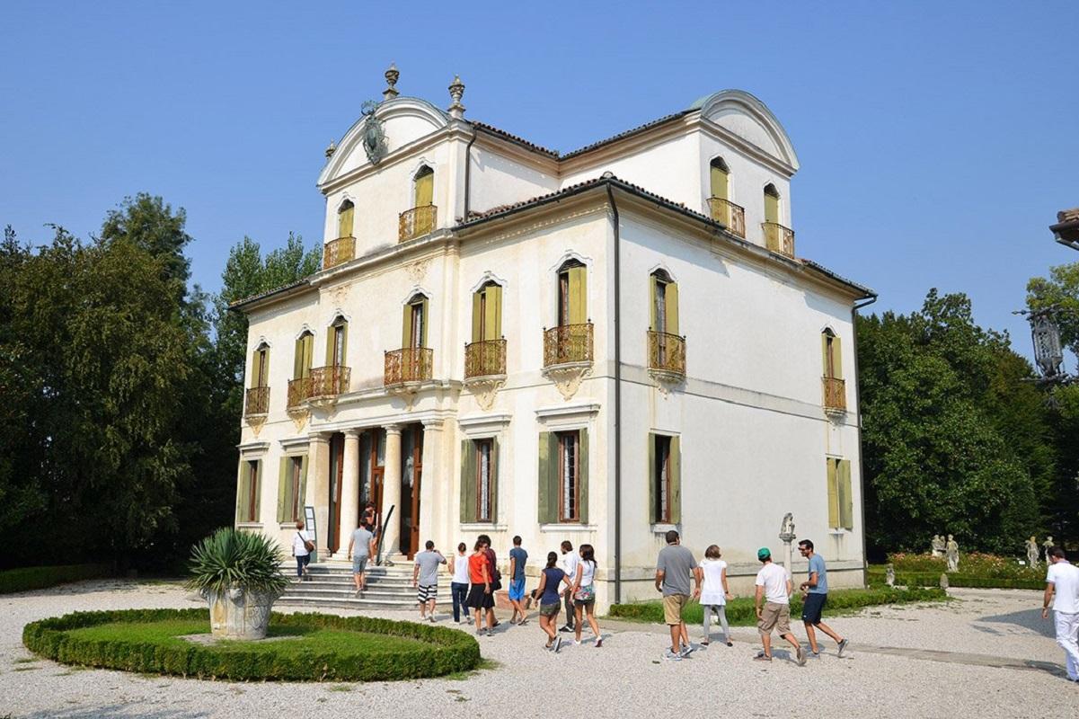 Crociera fluviale Ville del Brenta - Villa Widmann credits burchietto it