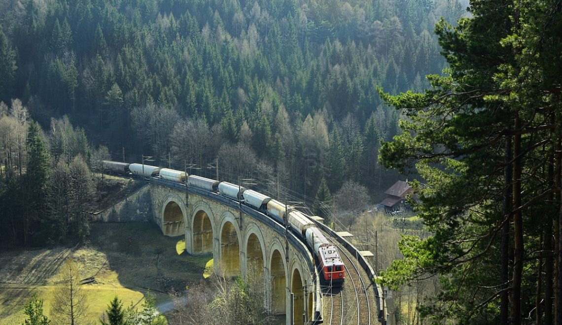 Viaggio a bordo del Semmering, il treno panoramico austriaco