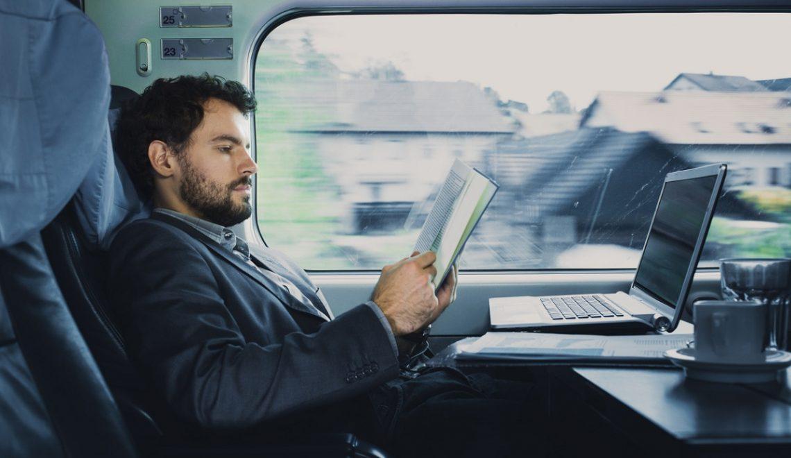Come combattere lo stress da lavoro? Rilassati in treno!
