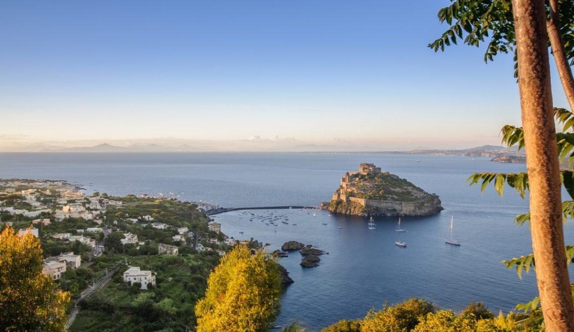 Cosa vedere a Ischia in un giorno, tra storia e natura