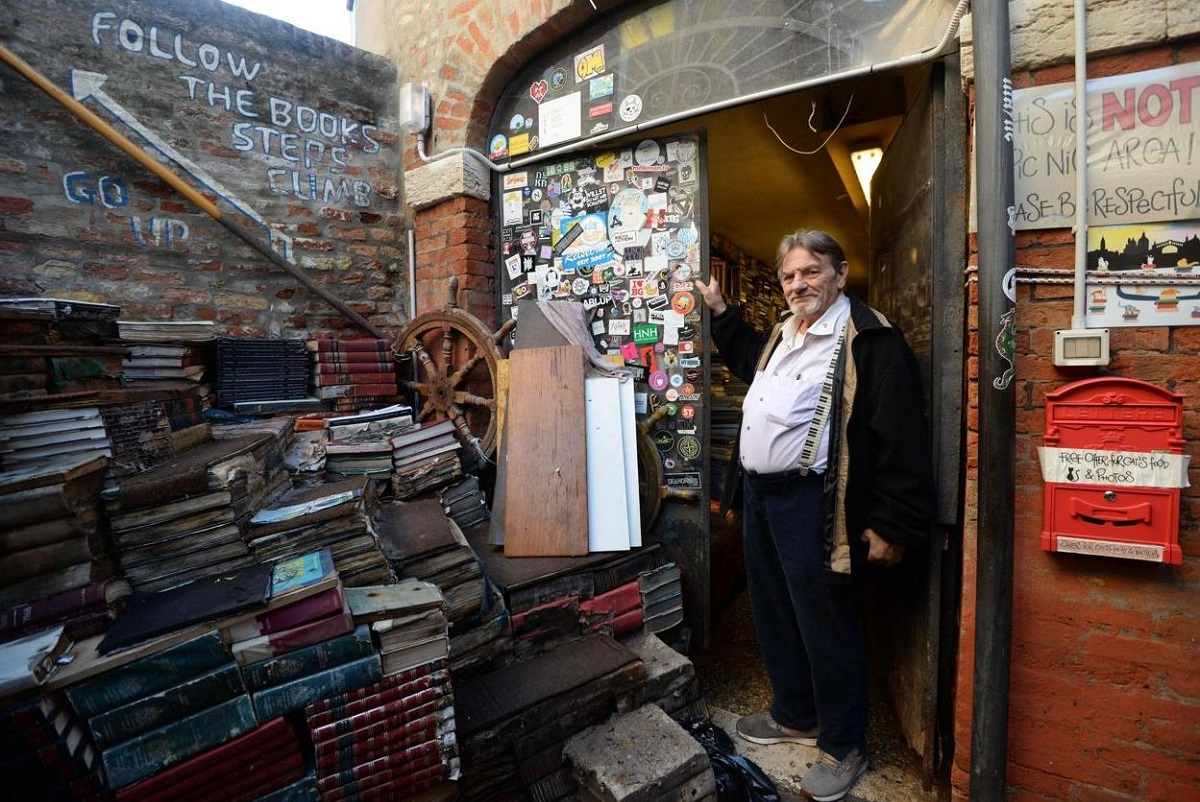 Cosa vedere gratis a Venezia Libreria Acqua Alta