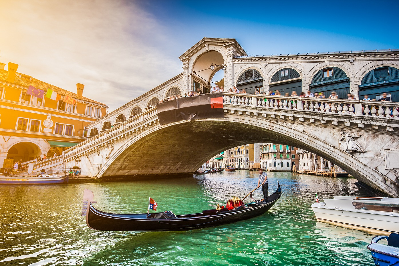 Gondola sotto al Ponte di Rialto, Venezia